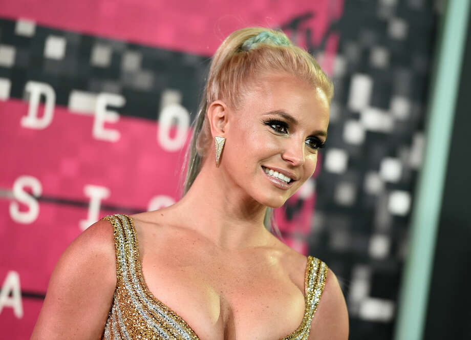 Britney Spears arrives at the MTV Video Music Awards at the Microsoft Theater on Sunday, Aug. 30, 2015, in Los Angeles. (Photo by Jordan Strauss/Invision/AP)