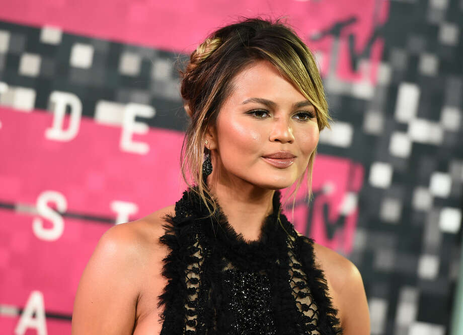 Chrissy Teigen arrives at the MTV Video Music Awards at the Microsoft Theater on Sunday, Aug. 30, 2015, in Los Angeles. (Photo by Jordan Strauss/Invision/AP)