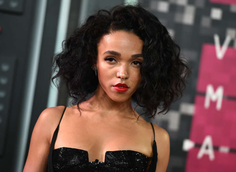 FKA Twigs arrives at the MTV Video Music Awards at the Microsoft Theater on Sunday, Aug. 30, 2015, in Los Angeles. (Photo by Jordan Strauss/Invision/AP)