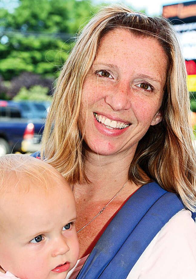 Hour photo / Erik Trautmann Stephanie Parker and Brady Parker, 9 months.