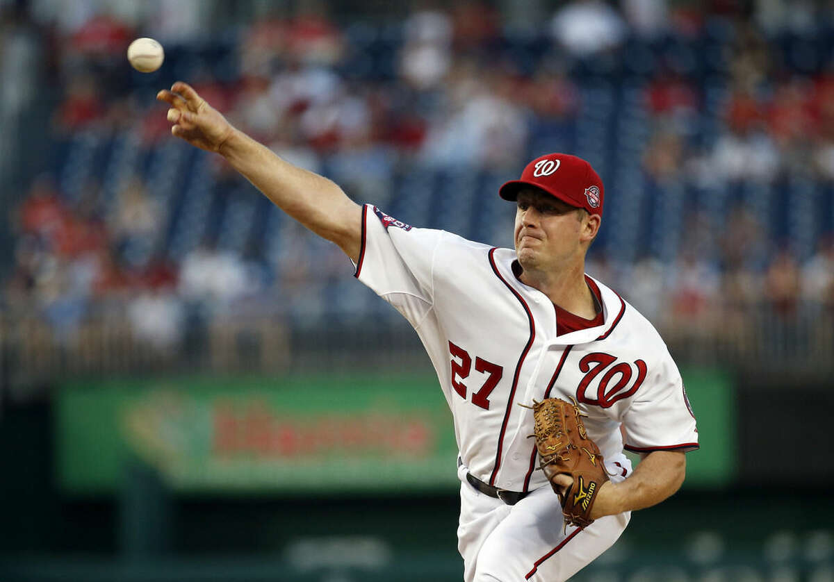 Washington Nationals starting pitcher Jordan Zimmermann throws during the first inning of a baseball game against the New York Mets at Nationals Park, Tuesday, Sept. 8, 2015, in Washington. (AP Photo/Alex Brandon)