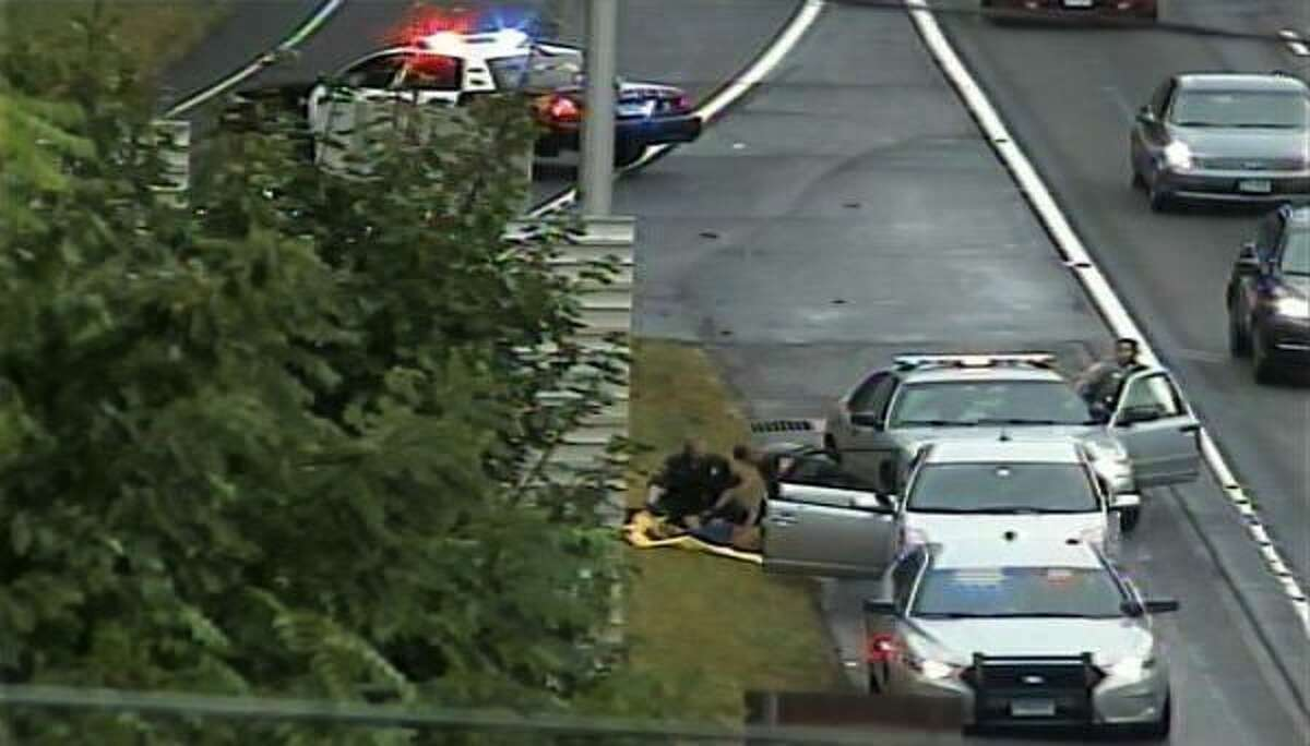 Police assist woman giving birth on I-95