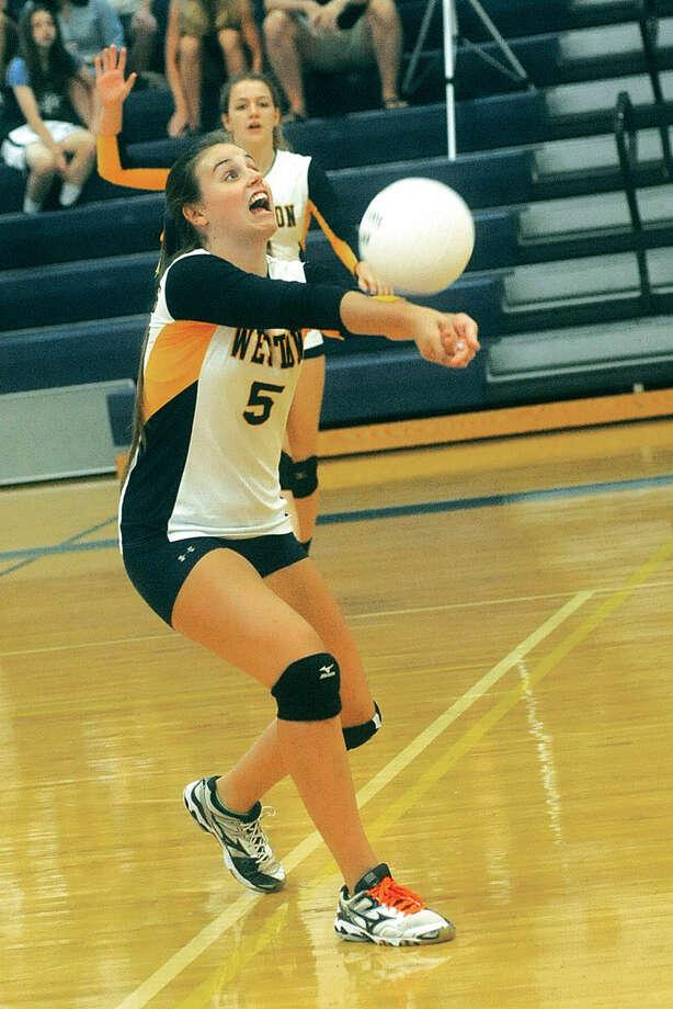 Weston girls volleyball, Amy Lautenslager. Hour photo/Matthew Vinci
