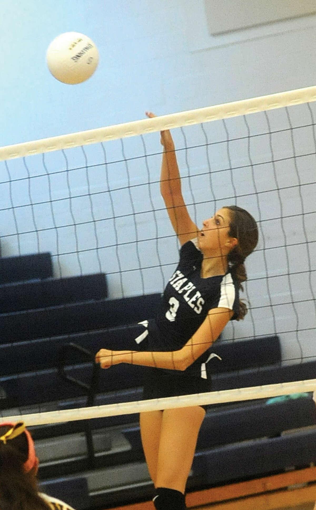 Staples girls volleyball, Reese Schachne. Hour photo/Matthew Vinci