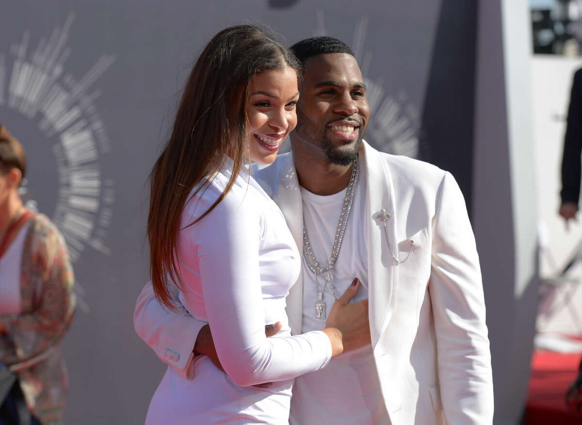 Jordin Sparks, left, and Jason Derulo arrive at the MTV Video Music Awards at The Forum on Sunday, Aug. 24, 2014, in Inglewood, Calif. (Photo by Jordan Strauss/Invision/AP)