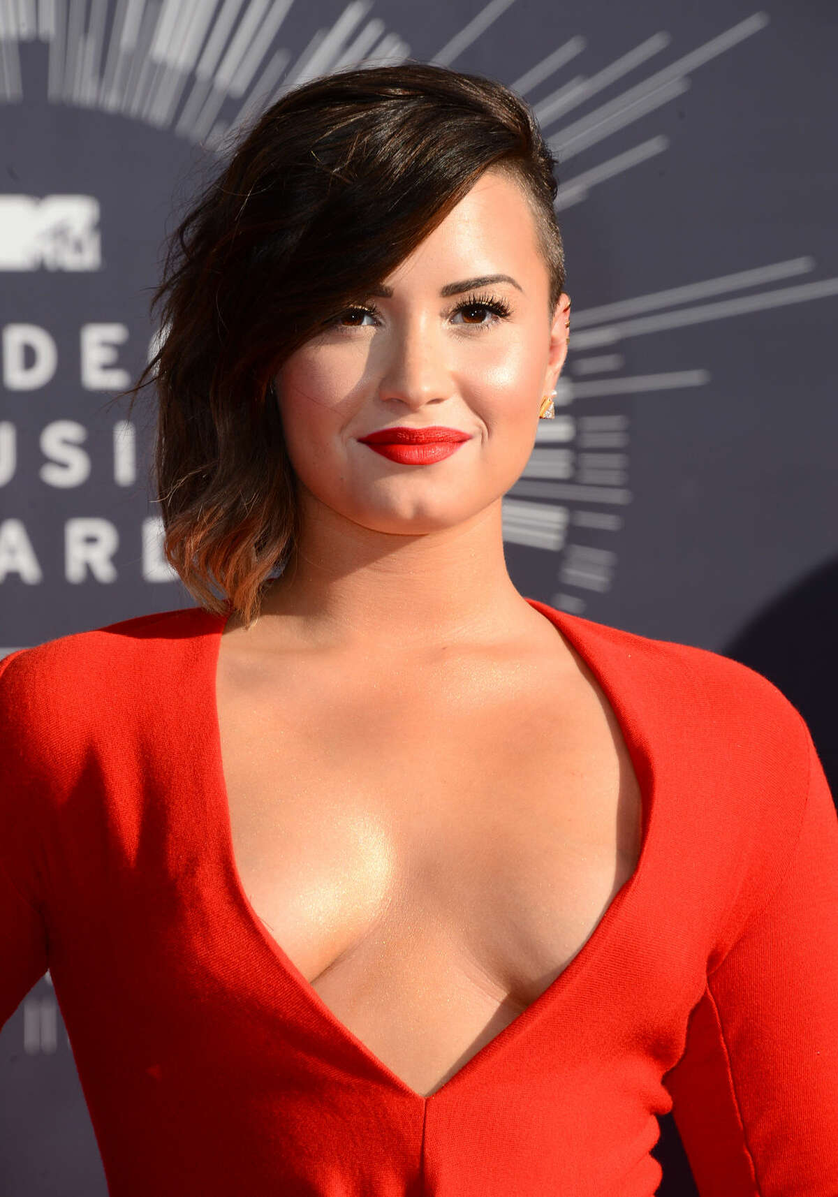 Demi Lovato arrives at the MTV Video Music Awards at The Forum on Sunday, Aug. 24, 2014, in Inglewood, Calif. (Photo by Jordan Strauss/Invision/AP)