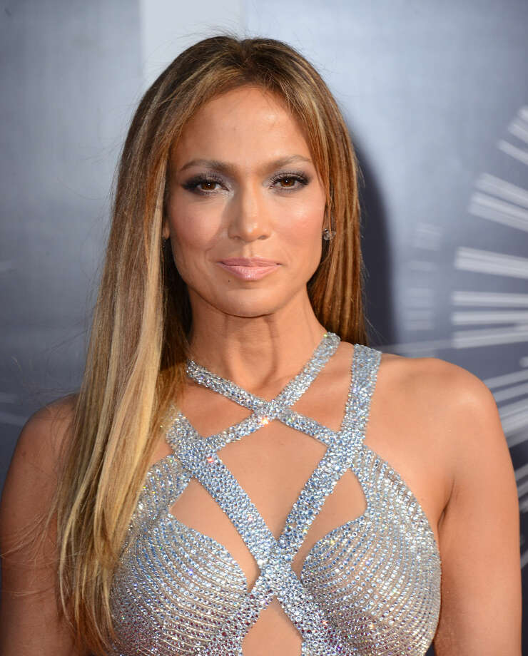 Jennifer Lopez arrives at the MTV Video Music Awards at The Forum on Sunday, Aug. 24, 2014, in Inglewood, Calif. (Photo by Jordan Strauss/Invision/AP)