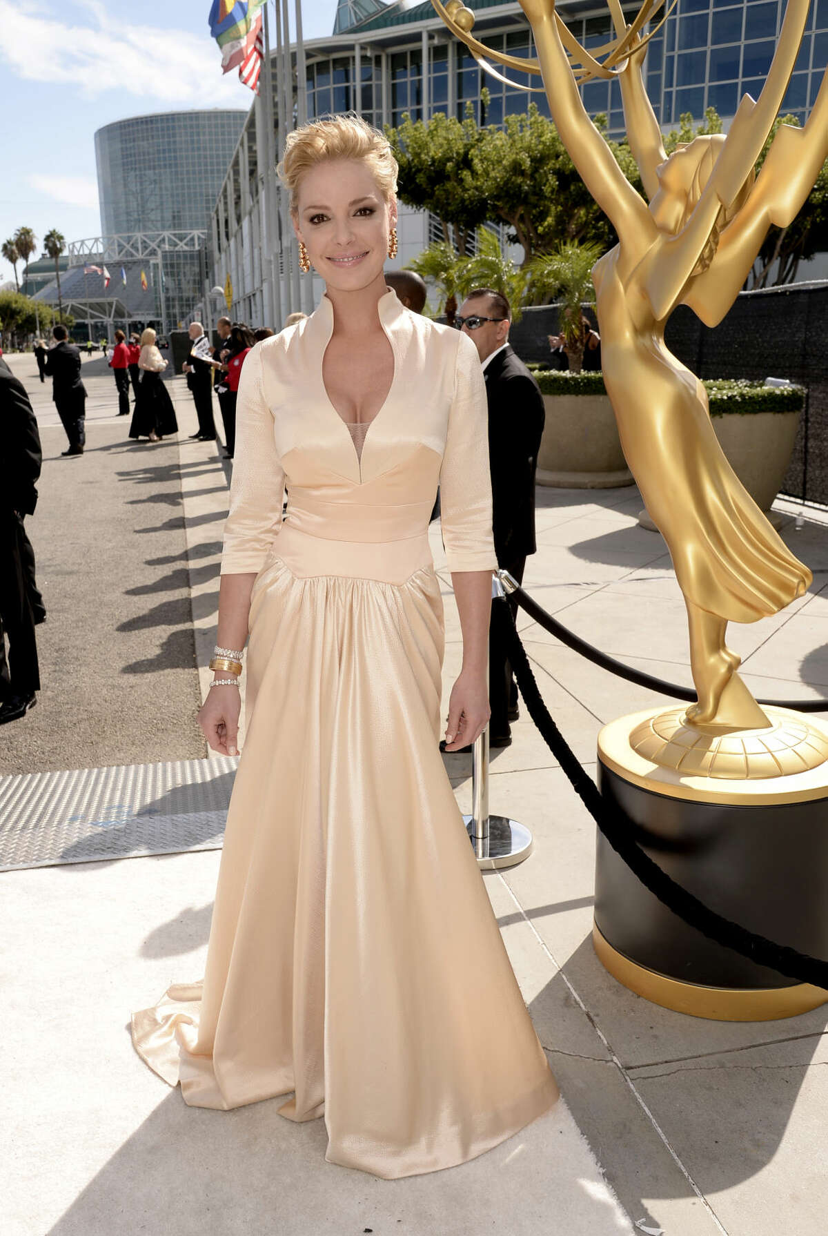 IMAGE DISTRIBUTED FOR THE TELEVISION ACADEMY - Katherine Heigl arrives at the 66th Primetime Emmy Awards at the Nokia Theatre L.A. Live on Monday, Aug. 25, 2014, in Los Angeles. (Photo by Dan Steinberg/Invision for the Television Academy/AP Images)