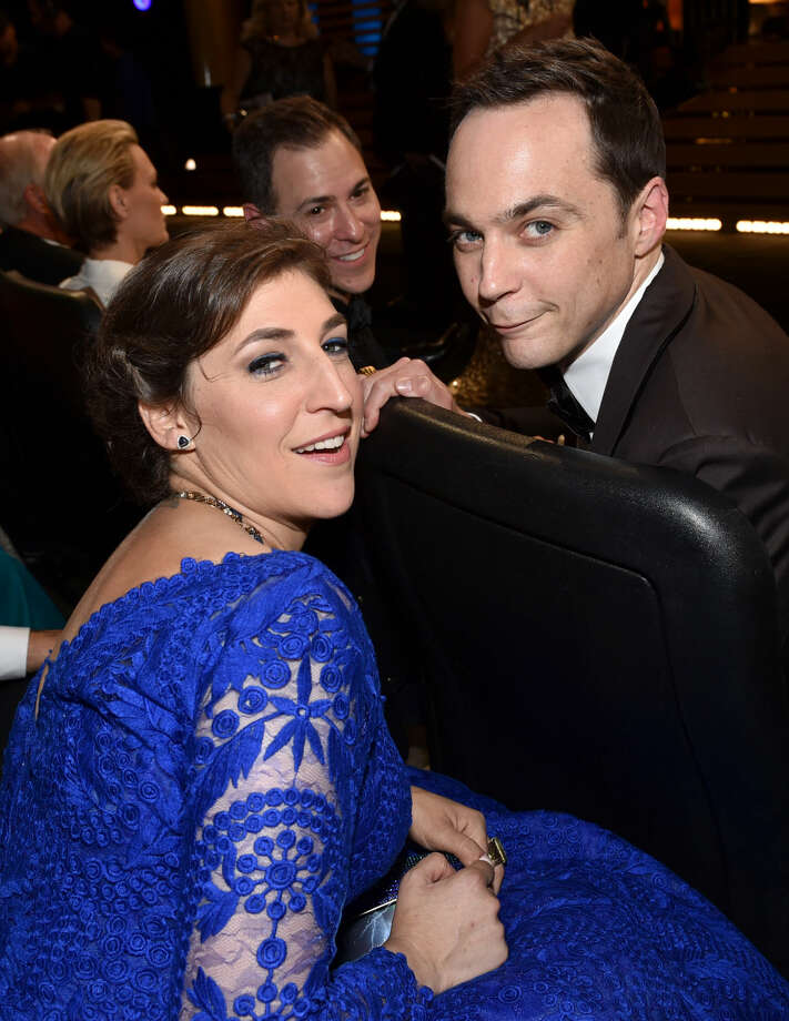 IMAGE DISTRIBUTED FOR THE TELEVISION ACADEMY - EXCLUSIVE - Mayim Bialik, left, and Jim Parsons pose at the 66th Primetime Emmy Awards at the Nokia Theatre L.A. Live on Monday, Aug. 25, 2014, in Los Angeles. (Photo by John Shearer/Invision for the Television Academy/AP Images)