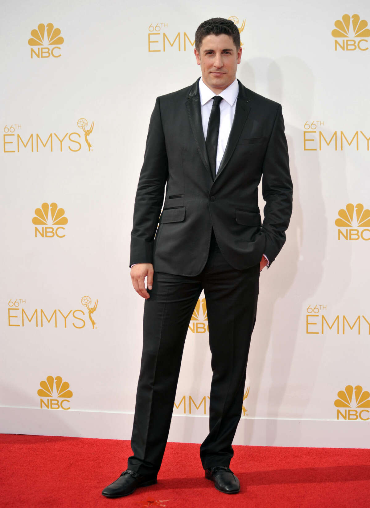 Jason Biggs arrives at the 66th Annual Primetime Emmy Awards at the Nokia Theatre L.A. Live on Monday, Aug. 25, 2014, in Los Angeles. (Photo by Richard Shotwell/Invision/AP)