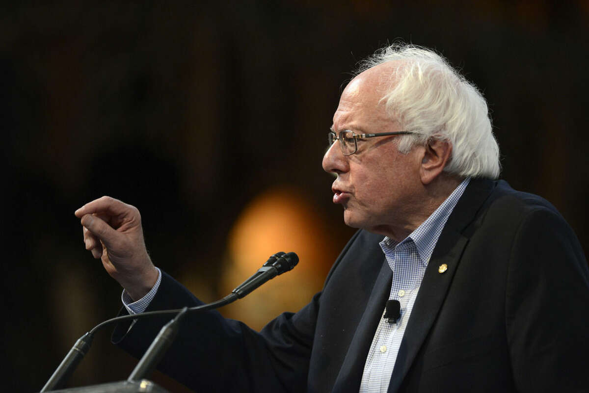 Democratic presidential candidate Sen. Bernie Sanders, I-Vt. speaks at the University of Chicago, Monday, Sept. 28, 2015, in Chicago. (AP Photo/Paul Beaty)