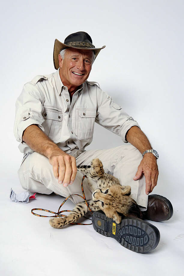 Wildlife advocate Jack Hanna poses for a portrait with a cheetah cub on Monday, Oct. 12, 2015 in New York. (Photo by Dan Hallman/Invision/AP)