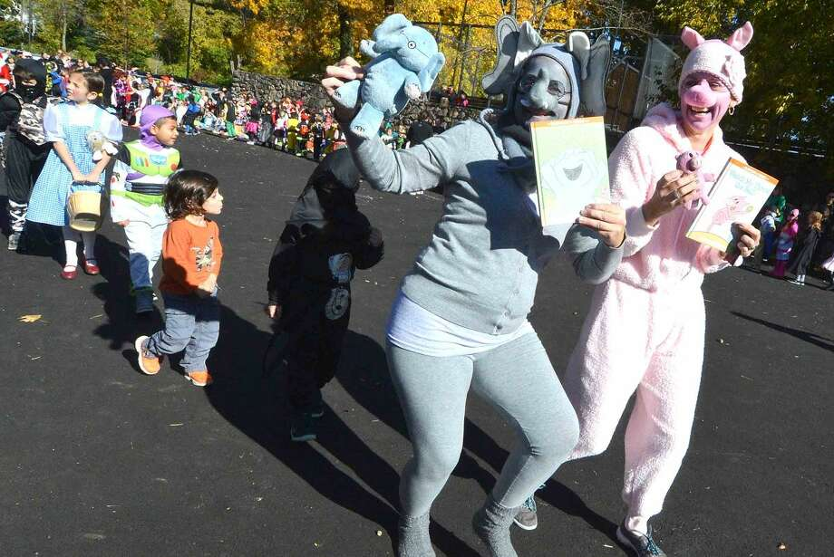 Hour Photo/Alex von Kleydorff The Rowayton Elementary School's Halloween parade