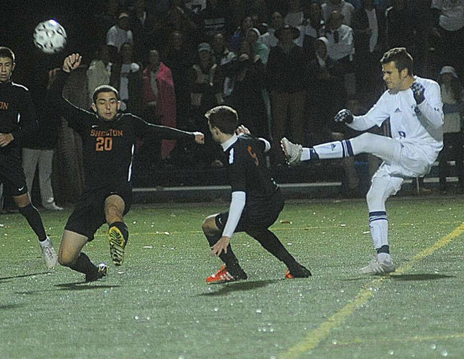 Wilton against Shelton on Tuesday night. Hour photo/Matthew Vinci