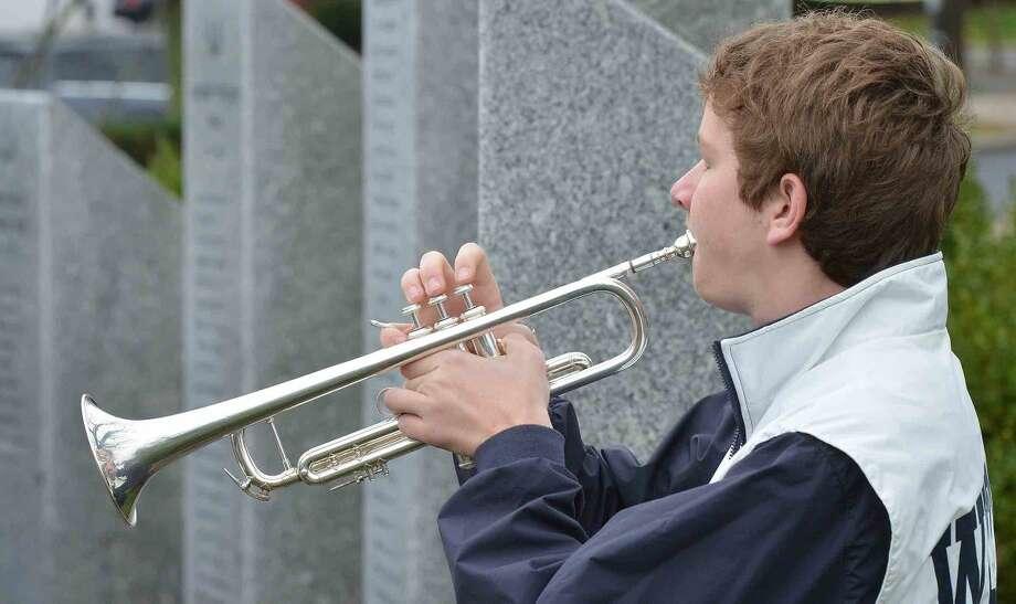 Hour Photo/Alex von Kleydorff Veterans Day parade and ceremony in Wilton