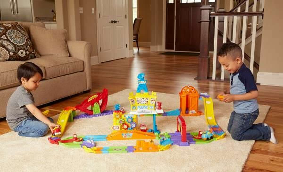 Toddler Boredom Busters for the Holiday Season