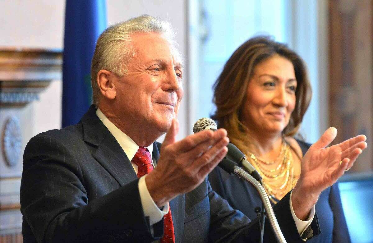 Hour Photo/Alex von Kleydorff Norwalk Mayor Harry Rilling with wife Lucia by his side, thanks the city of Norwalk during a swearing in ceremony at City Hall on Tuesday