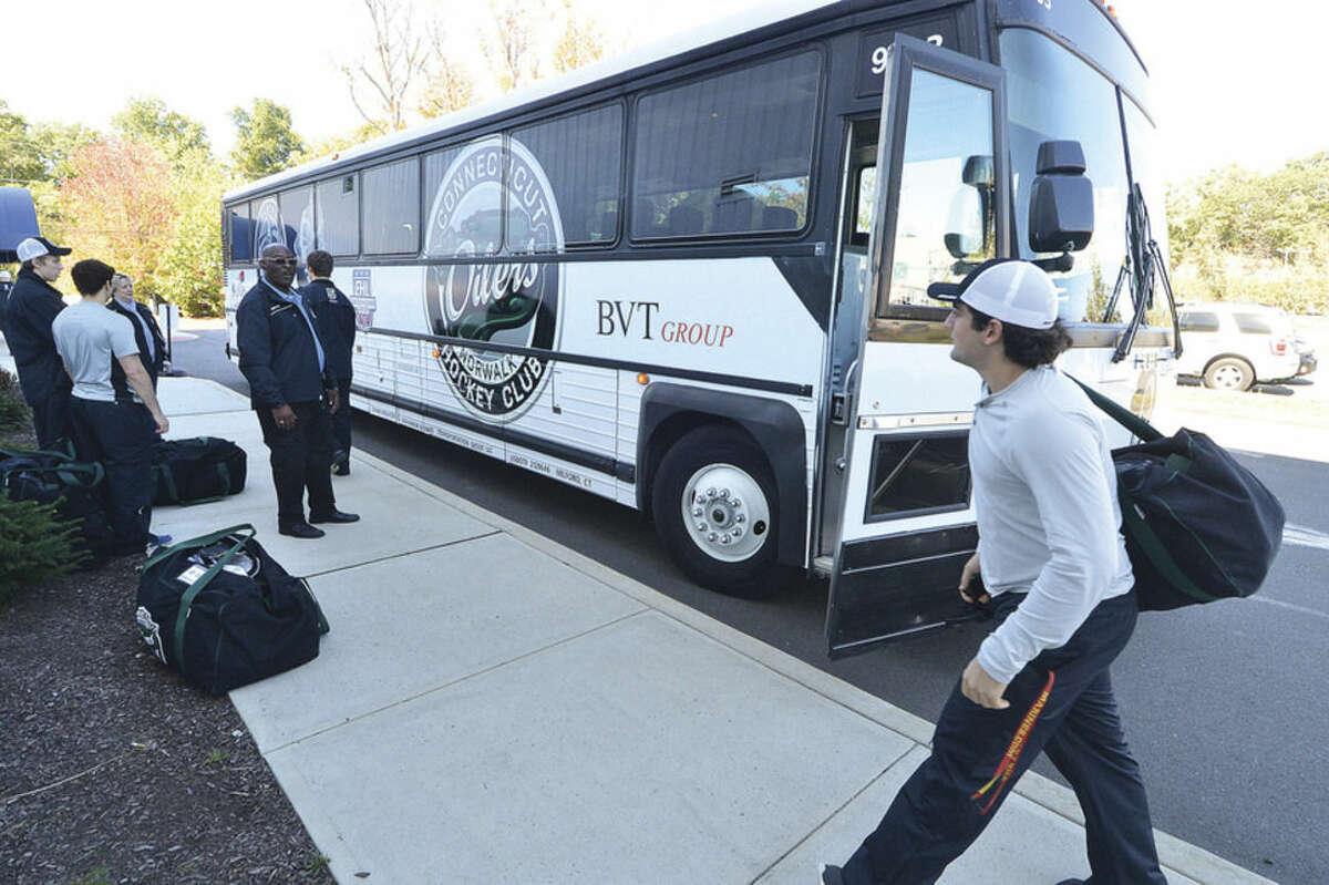 Hour Photo/Alex von Kleydorff Connecticut oilers new custom coach