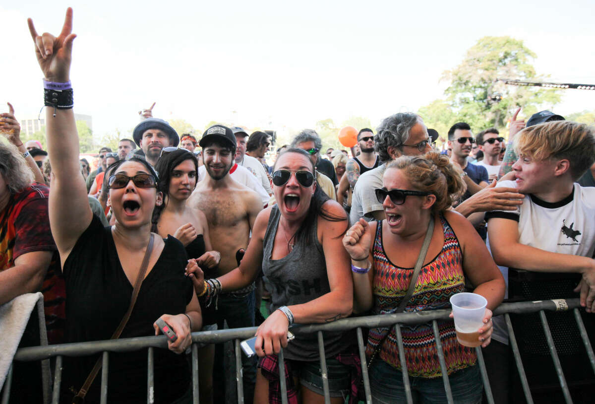 Hour photo/Chris Palermo. The Gaslight Anthem fans react to a song at the Gathering of the Vibes festival at Seaside Park in Bridgeport Saturday.