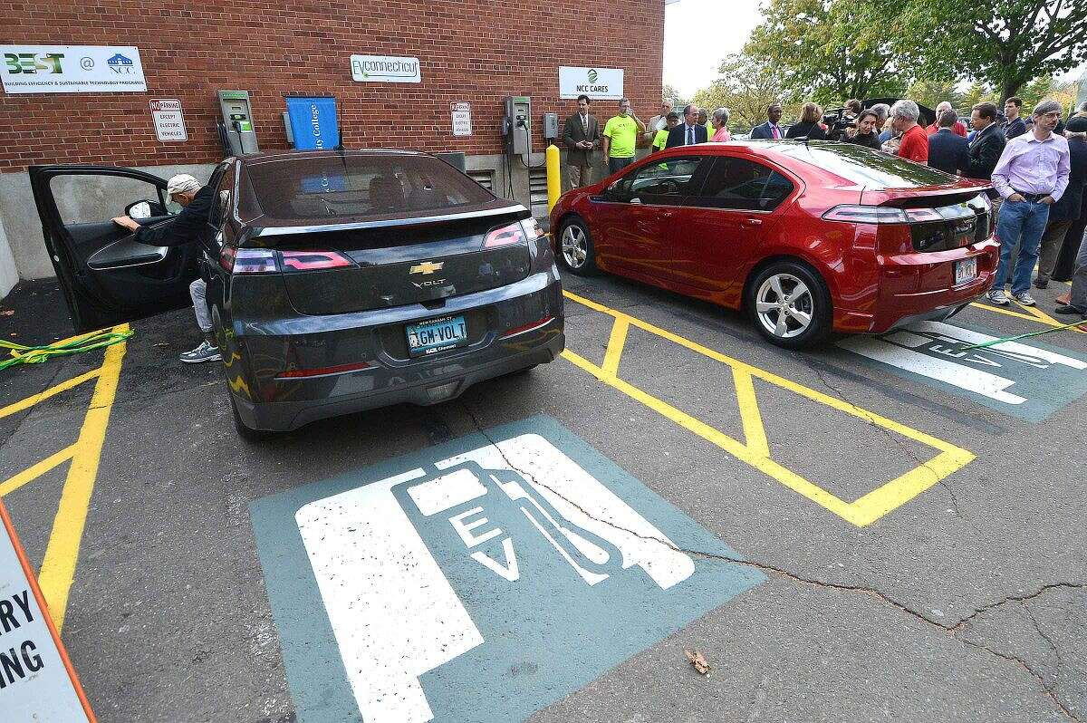 Hour Photo/Alex von Kleydorff Norwalk Community College opens its new Electric Vehicle Charging Station