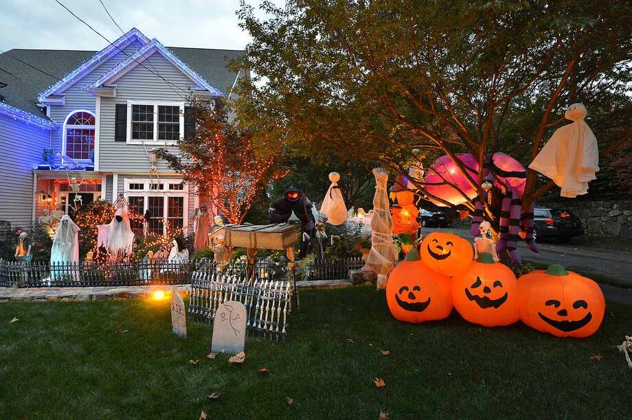 Hour Photo/Alex von Kleydorff The Timmons house is ready for Halloween