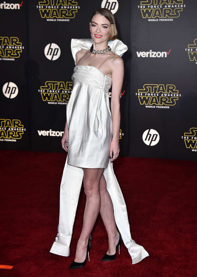 """Jaime King arrives at the world premiere of """"Star Wars: The Force Awakens"""" at the TCL Chinese Theatre on Monday, Dec. 14, 2015, in Los Angeles. (Photo by Jordan Strauss/Invision/AP)"""
