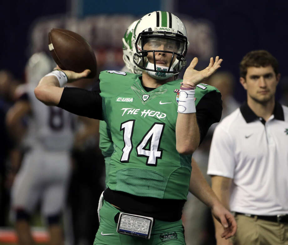 Marshall quarterback Chase Litton before the St. Petersburg Bowl NCAA college football game against Connecticut Saturday, Dec. 26, 2015, in St. Petersburg, Fla. (AP Photo/Chris O'Meara)