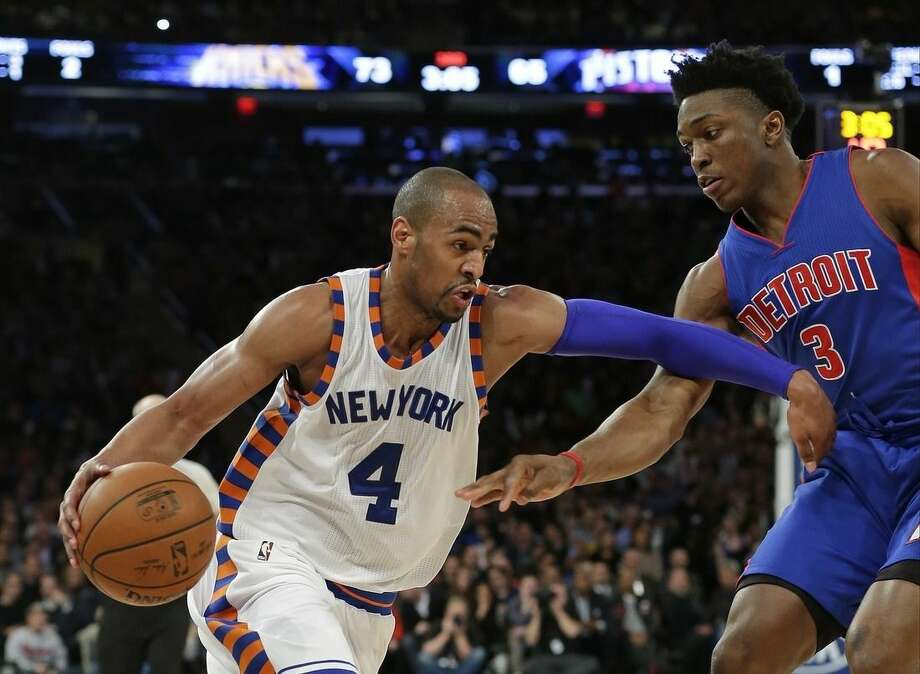 New York Knicks' Arron Afflalo (4) drives past Detroit Pistons' Stanley Johnson (3) during the second half of an NBA basketball game Tuesday, Dec. 29, 2015, in New York. The Knicks won 108-96. (AP Photo/Frank Franklin II)