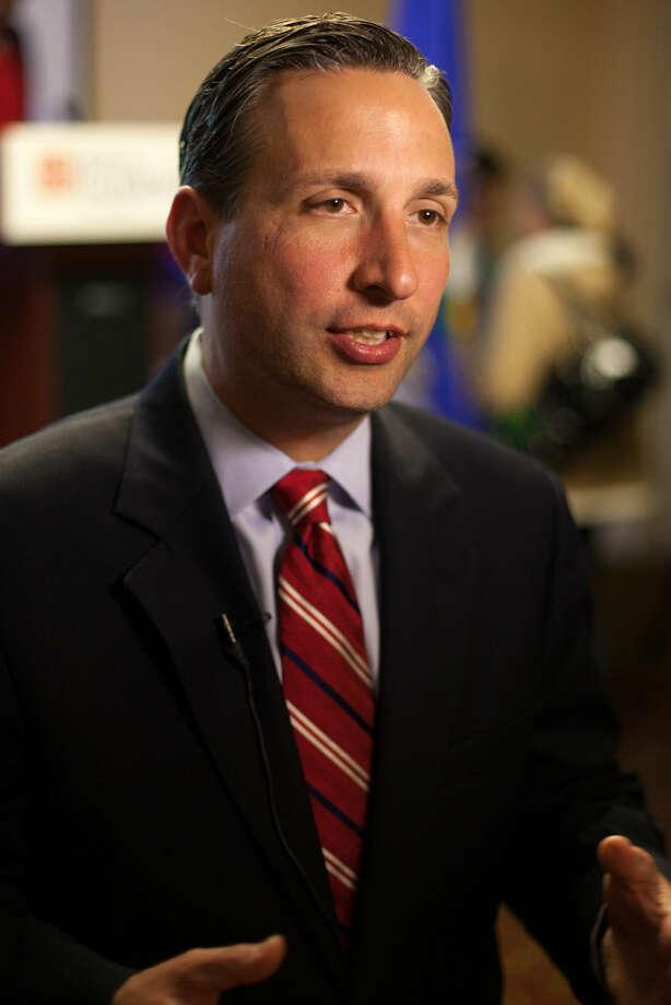 Hour photo/Chris Palermo. Senator Bob Duff