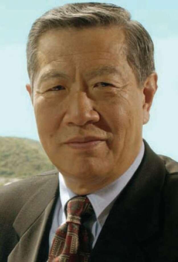 Forensic scientist Henry Lee