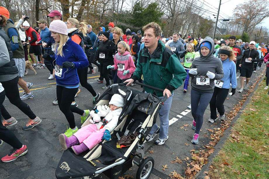 Hour Photo/Alex von Kleydorff The Rowayton Turkey Trot annual 5k and 1 mile family fun run
