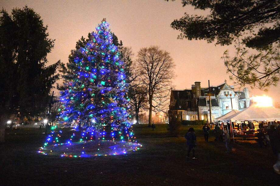 Hour Photo/Alex von Kleydorff City of Norwalk's Old Fashioned Tree Lighting Celebration at Lockwood-Mathews Park & Mansion