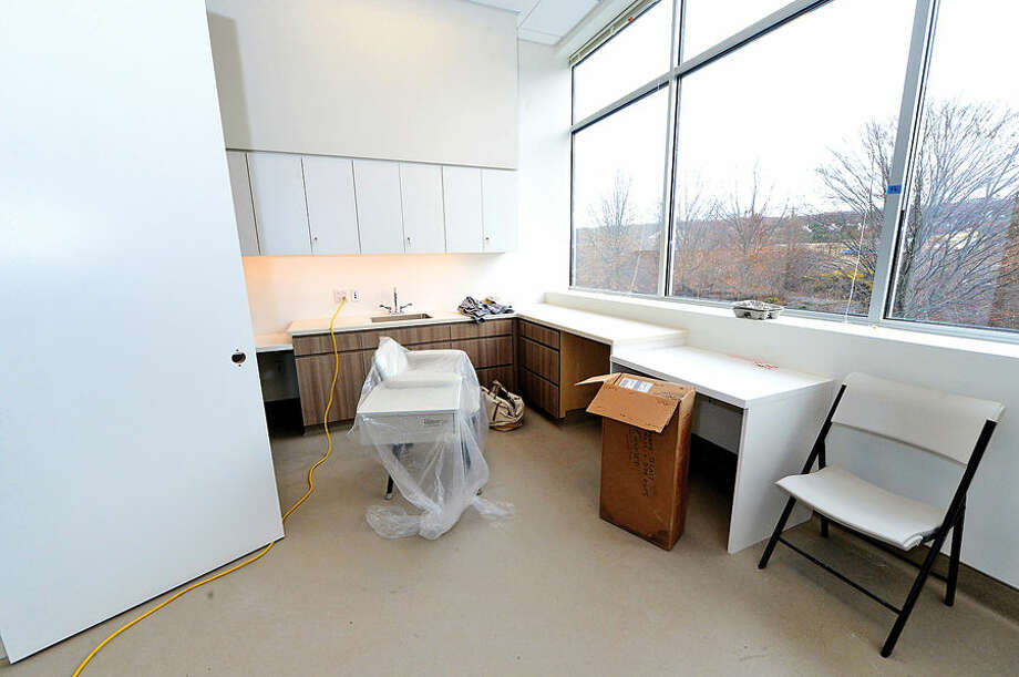 Hour photo / Erik Trautmann Reproductive Medicine Associates of Connecticut in Norwalk (RMACT), a technologically advanced embryology laboratory, is opening a new facility at iPark in Norwalk.
