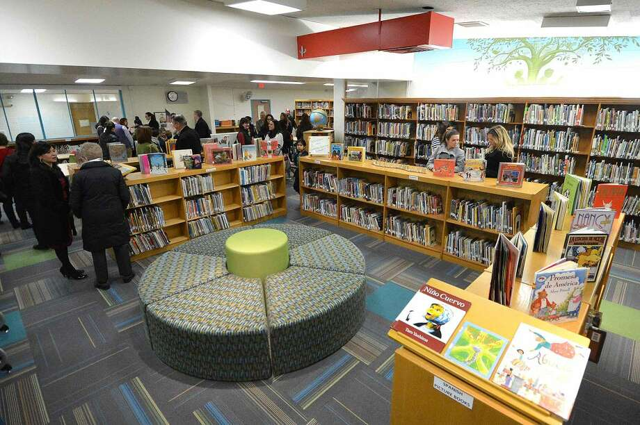 Hour Photo/Alex von Kleydorff Newly remodeled Learning Commons at Silvermine School
