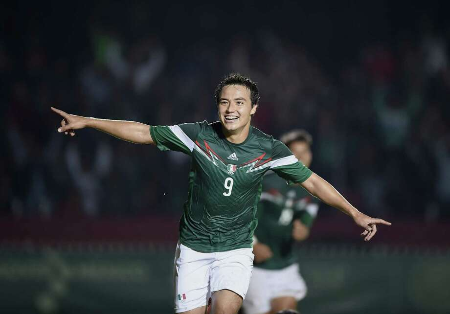 Dynamo forward Erick Torres has four caps and one goal with the Mexico national team. He hoped to get more caps during July's Gold Cup, but Mexico did not list him on its final 23-man roster. Photo: RONALDO SCHEMIDT, AFP/Getty Images / AFP