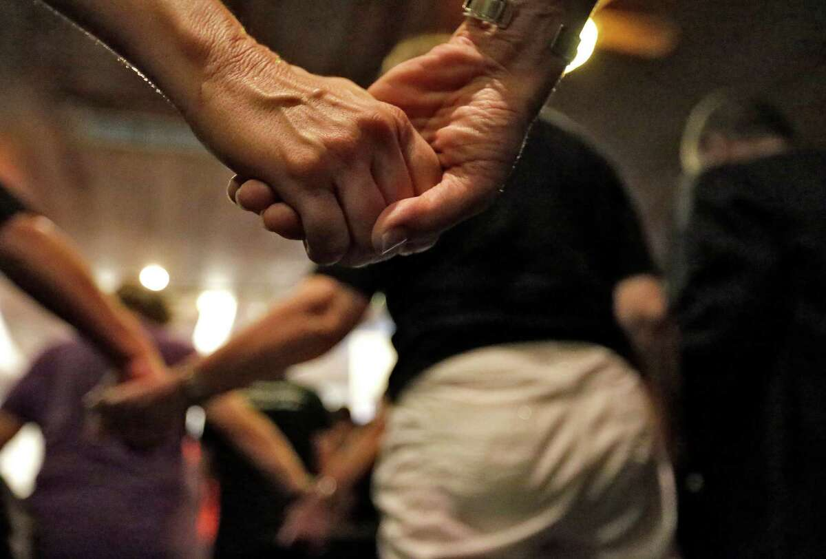 FILE. Letter writer says, 'This year, on June 20, I will join people around the world to fight the darkness of Alzheimer's disease by participating in the Alzheimer's Association's DIY fundraising event The Longest Day.' (AP Photo/Chris O'Meara)