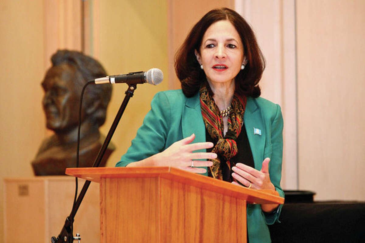 Gail Lavielle