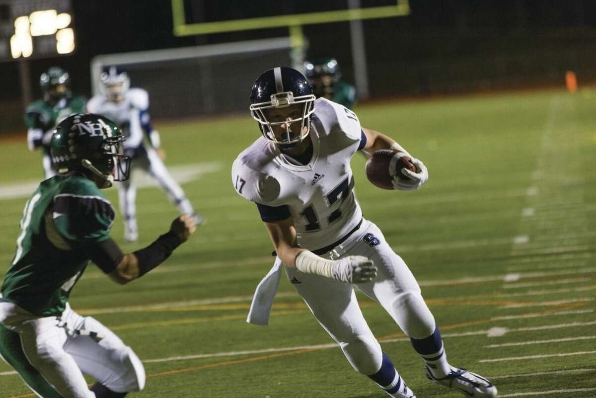 High School Football: Staples overwhelms Norwalk