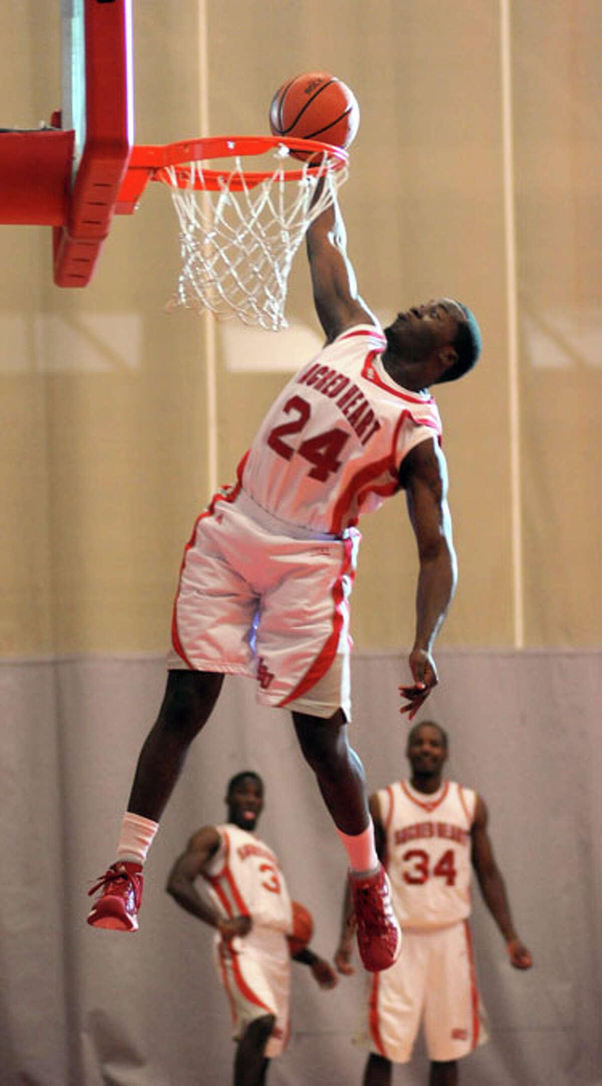 Sacred Heart University's Chris Evans: The dunk master