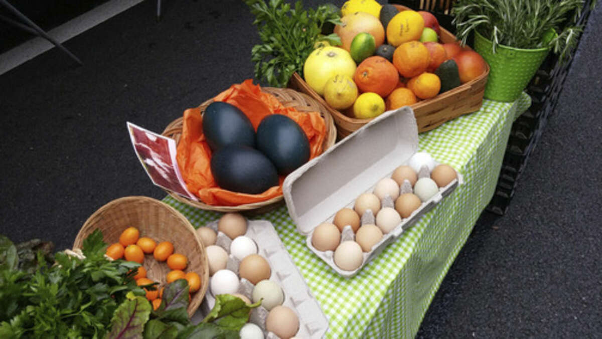 Photo by Frank Whitman Eggs and fruit