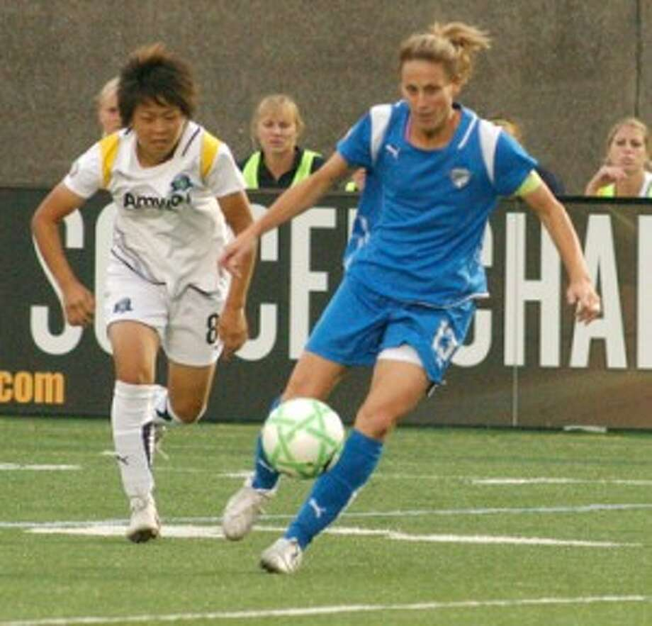 Kristine Lilly coming back for Moore
