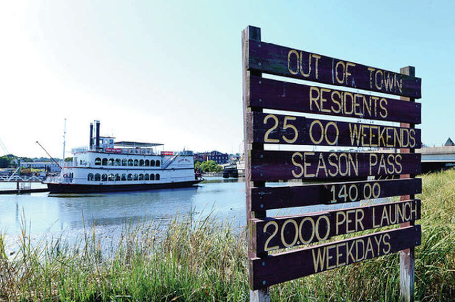 Hour photo / Erik TrautmannThe Island Belle docked at Veterans Park in Norwalk. / (C)2012, The Hour Newspapers, all rights reserved