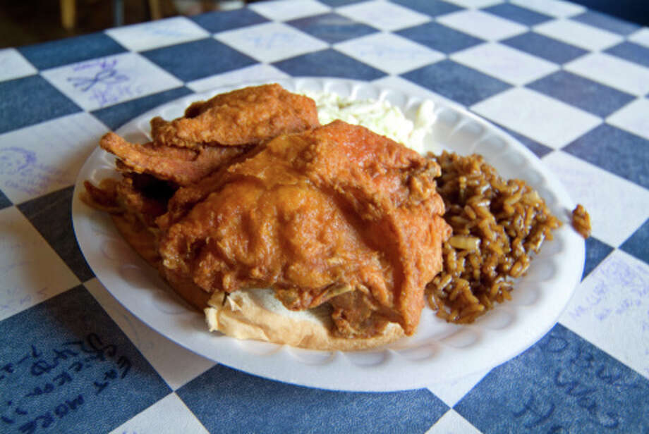 Fried chicken on table at Gus's World Famous. Photo: Ray Laskowitz/Getty Images/Lonely Planet Images