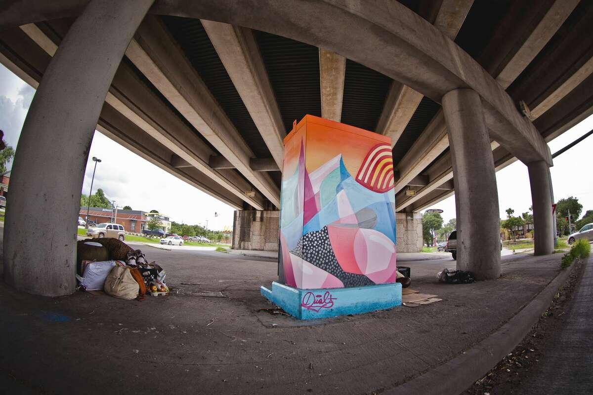 Location: West Bellfort @ South Post Oak Artist: Dual