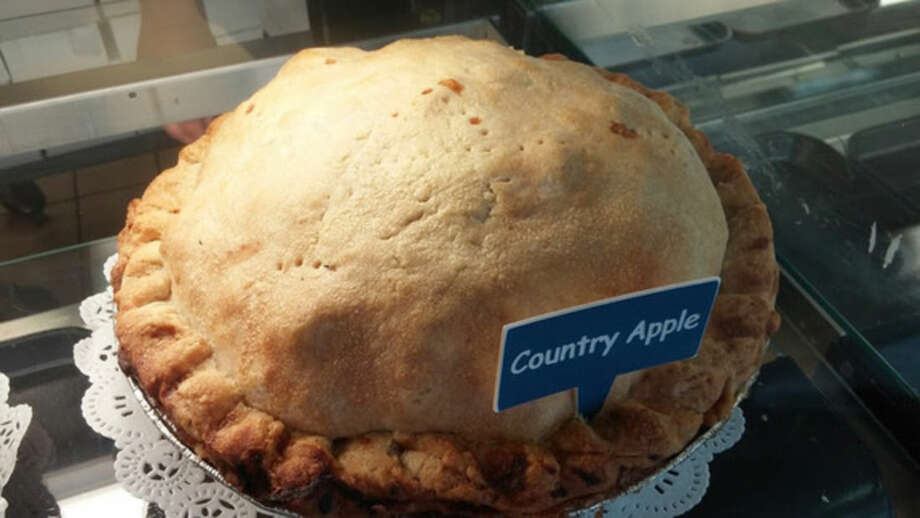 Photo by Frank WhitmanCountry apple pie at Michele's Pies in Norwalk.