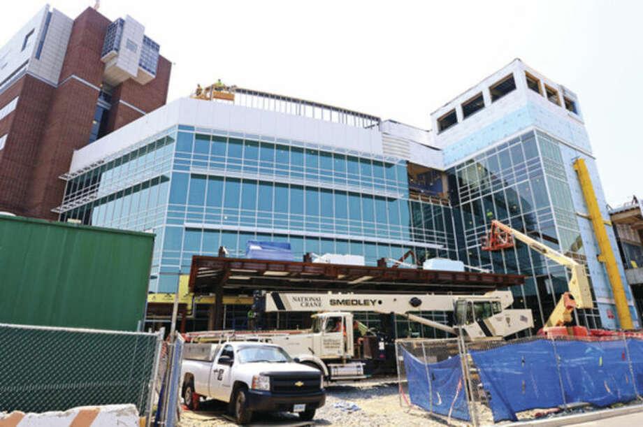 Hour photo / Erik Trautmann Norwalk HospitalÕs construction of the five-story, 95,500-square-foot Anne P. and Harold W. McGraw, Jr. Center, an outpatient pavilion to serve, emergency patients and outpatient surgeries.