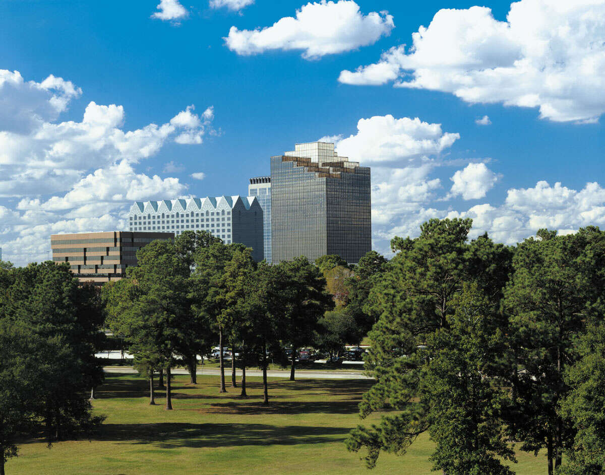After Exxon Mobil departed, Hines decided to turn Greenspoint Place - a six-building complex near Interstate 45 and Beltway 8 - back to its lender, Northwestern Mutual Life Insurance Co.