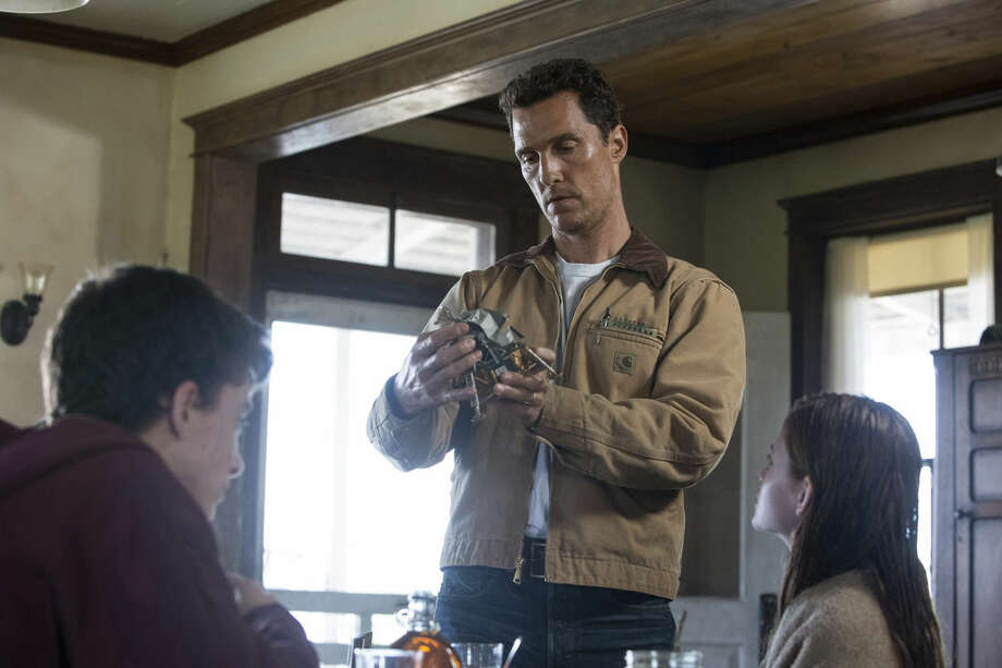 """This image released by Paramount Pictures shows Matthew McConaughey in a scene from """"Interstellar."""" (AP Photo/Paramount Pictures, Melinda Sue Gordon)"""