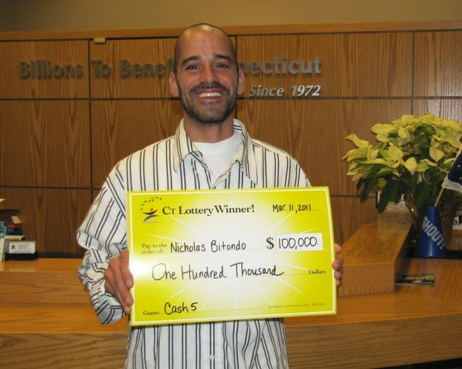 Norwalk man wins $100,000 in lottery