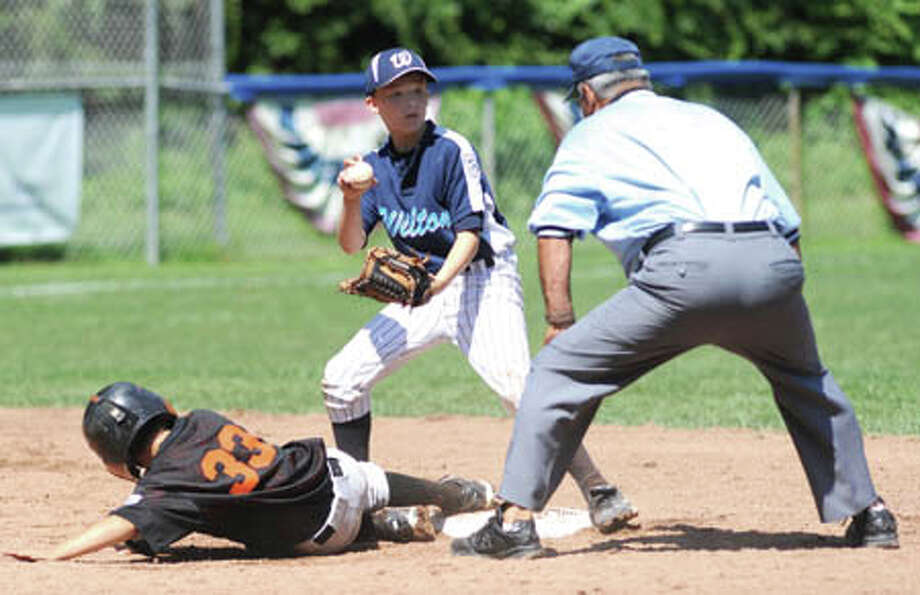 Wilton 10s advance to District 1 championship game